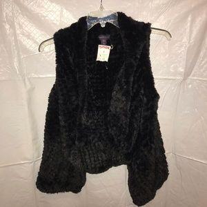 NWT black fuzzy vest